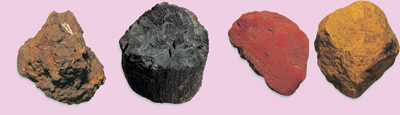 14. Charcoal and ochres, the colours used by prehistoric man for the cave decorations.© Xabi Otero
